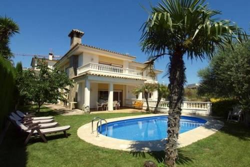 Villa in Lloret de Mar: Villa Baileys